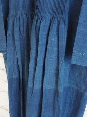 画像6: maku textiles インディゴ染めカディーピンタックワンピース G1659 (6)