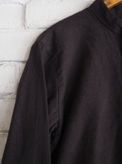 画像2: YAECA 【WOMEN'S】 (60130) 別注ログウッド染め カディコットンクルタシャツ (2)