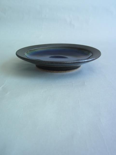 画像1: 出西窯 縁鉄砂皿(4.5寸) (1)