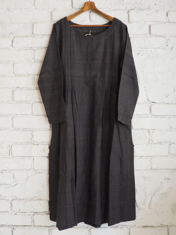 画像1: maku textiles インディゴ染めカディーピンタックワンピース G1656 (1)