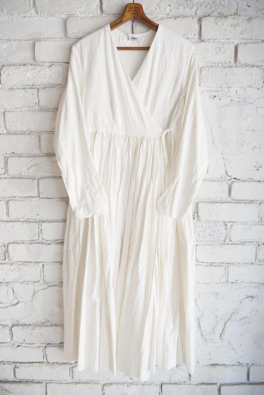 画像1: YAECA 【WOMEN'S】 (60716)カディコットン ラップギャザードレス (1)